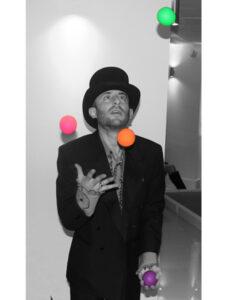 Juggling maestro